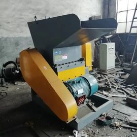 20kw Power Wire Granulator Separator Customized Voltage Heavy Duty 12 Months Warranty
